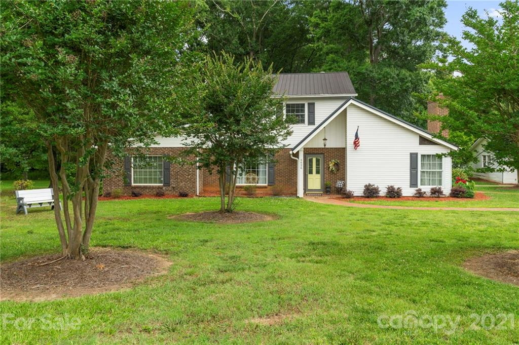 5626 Indian Trail Fairview Road Indian Trail, NC 28079