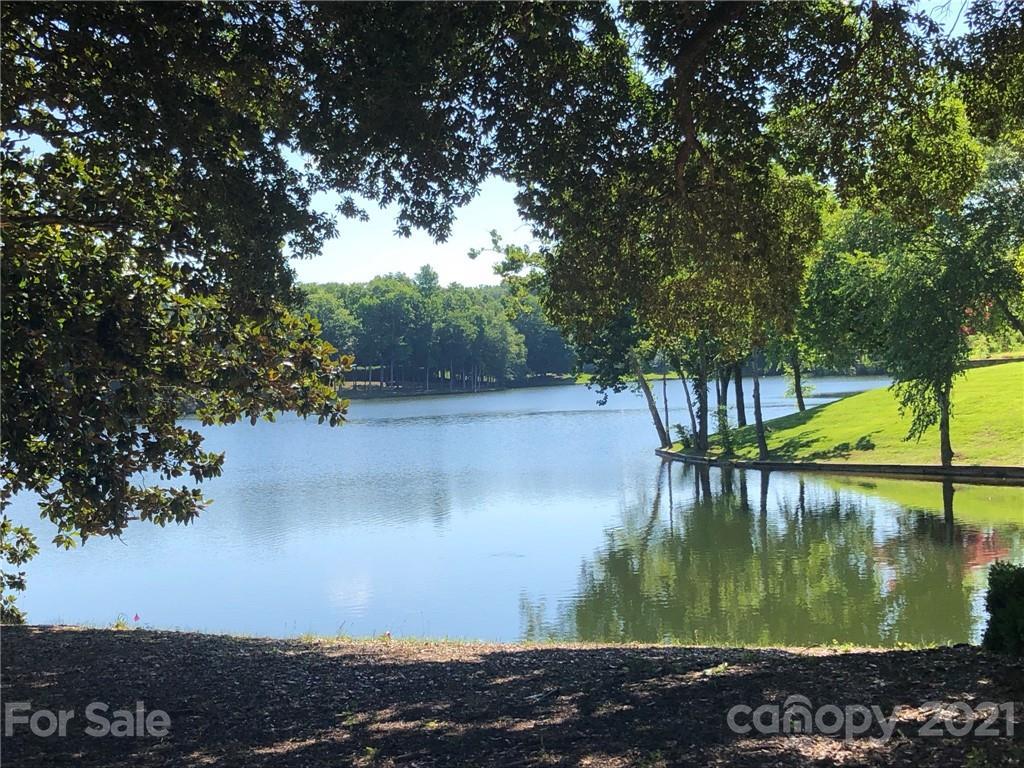 8707 Lake Challis Lane Charlotte, NC 28226