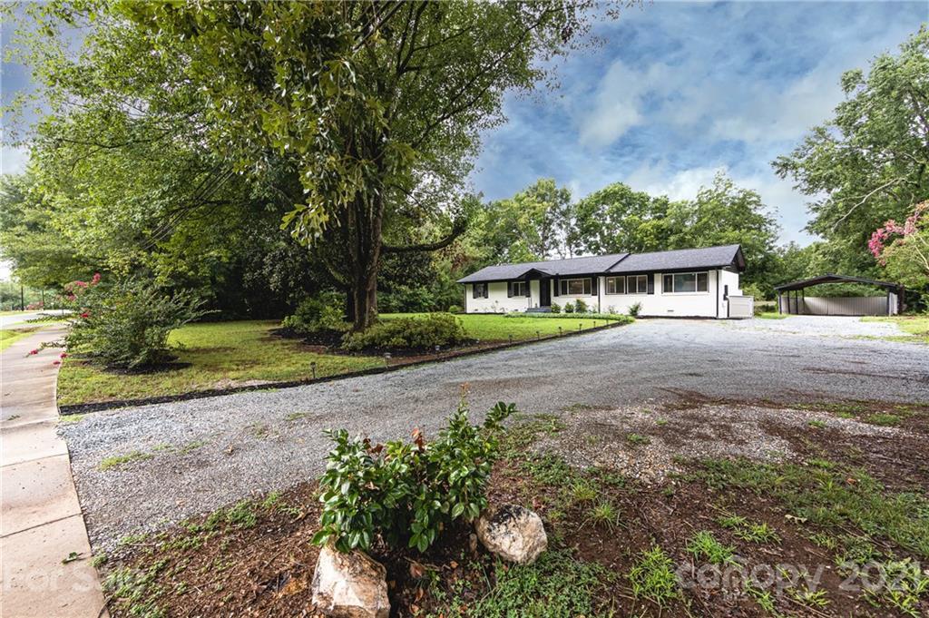 900 Old Providence Road Waxhaw, NC 28173