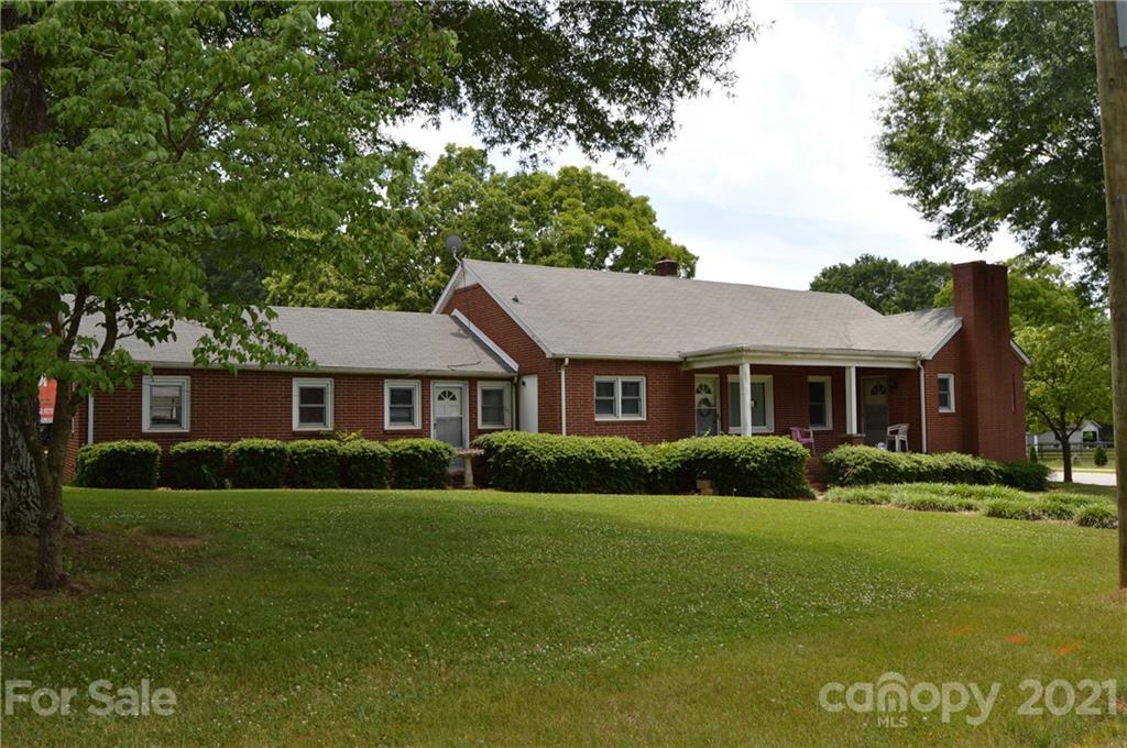 540 W Wilson Avenue Mooresville, NC 28115