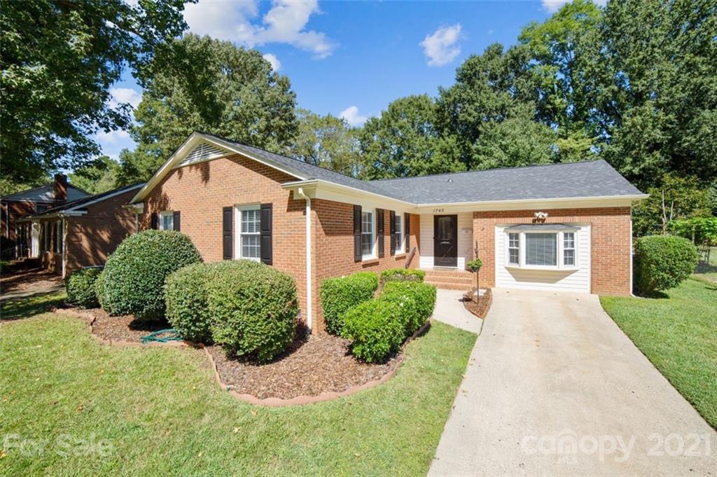 1743 Shannonhouse Drive Charlotte, NC 28215