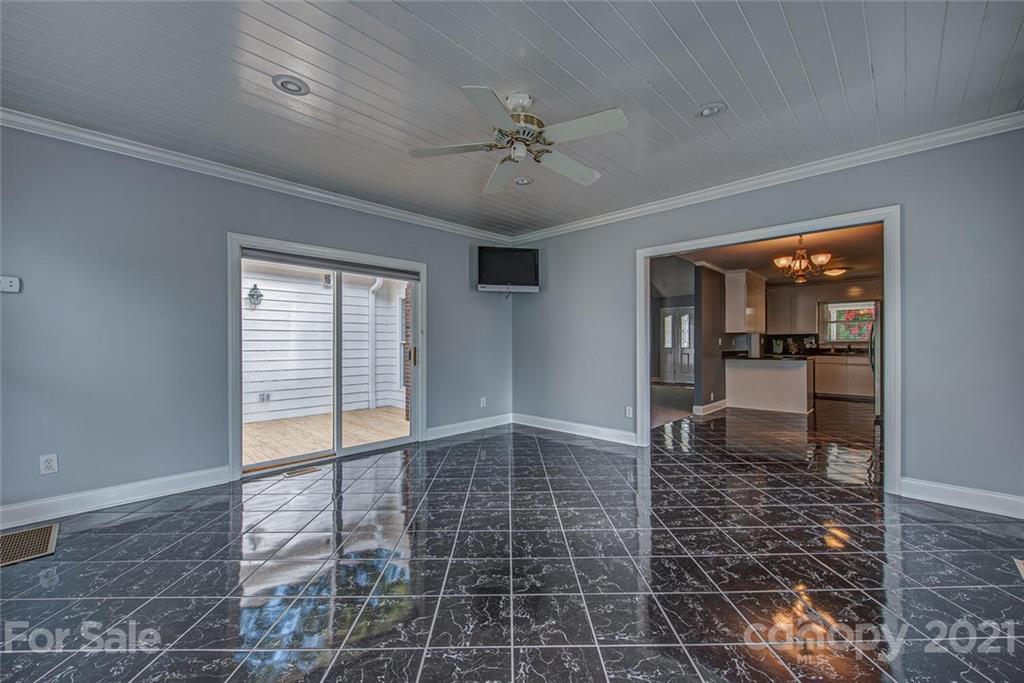 1502 Easy Street Belmont, NC 28012