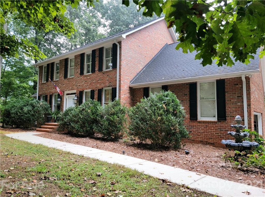 5403 Shoreview Drive UNIT #13 Concord, NC 28025