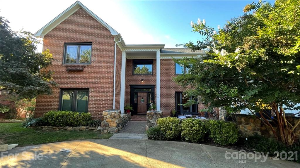 137 49th Avenue Place Hickory, NC 28601