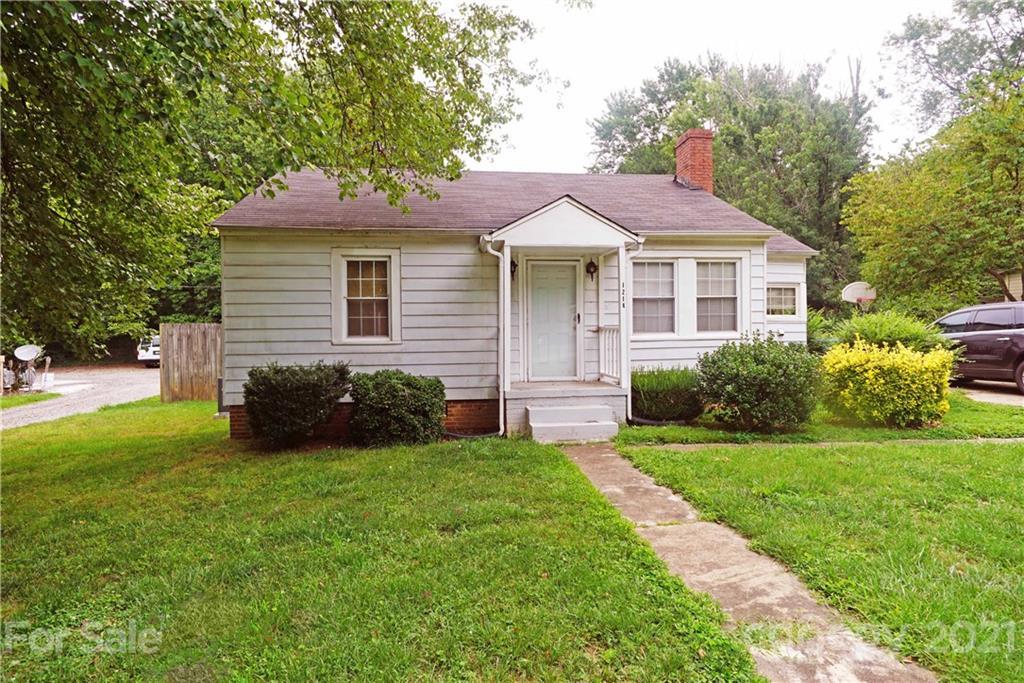 1214 11th Street Hickory, NC 28601