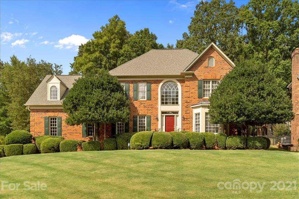 10416 Oak Pond Circle Charlotte, NC 28277