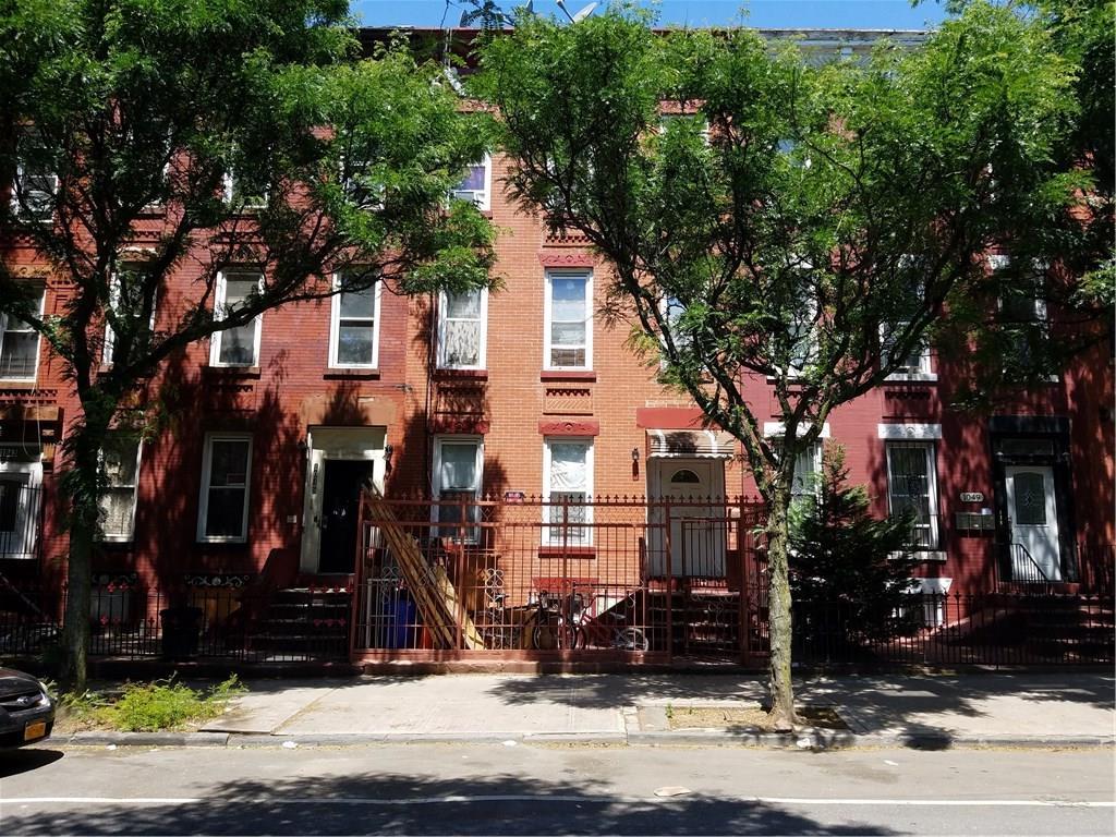Withheld Avenue Brooklyn, NY 11221-4812