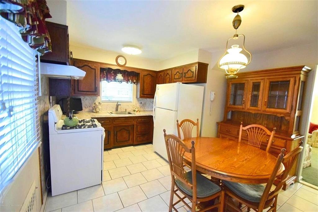 49 Hunter Avenue Staten Island, NY 10306
