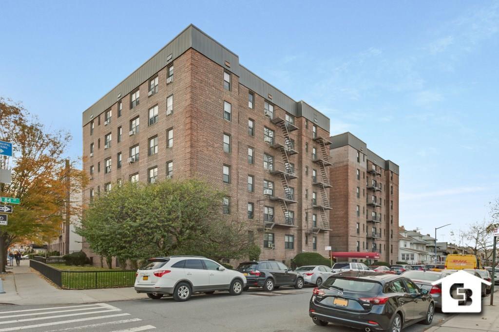 580 84 Street #2H Brooklyn, NY 11209