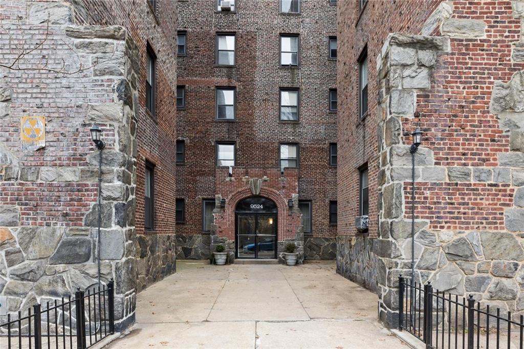9524 Fort Hamilton Parkway #602 Brooklyn, NY 11209