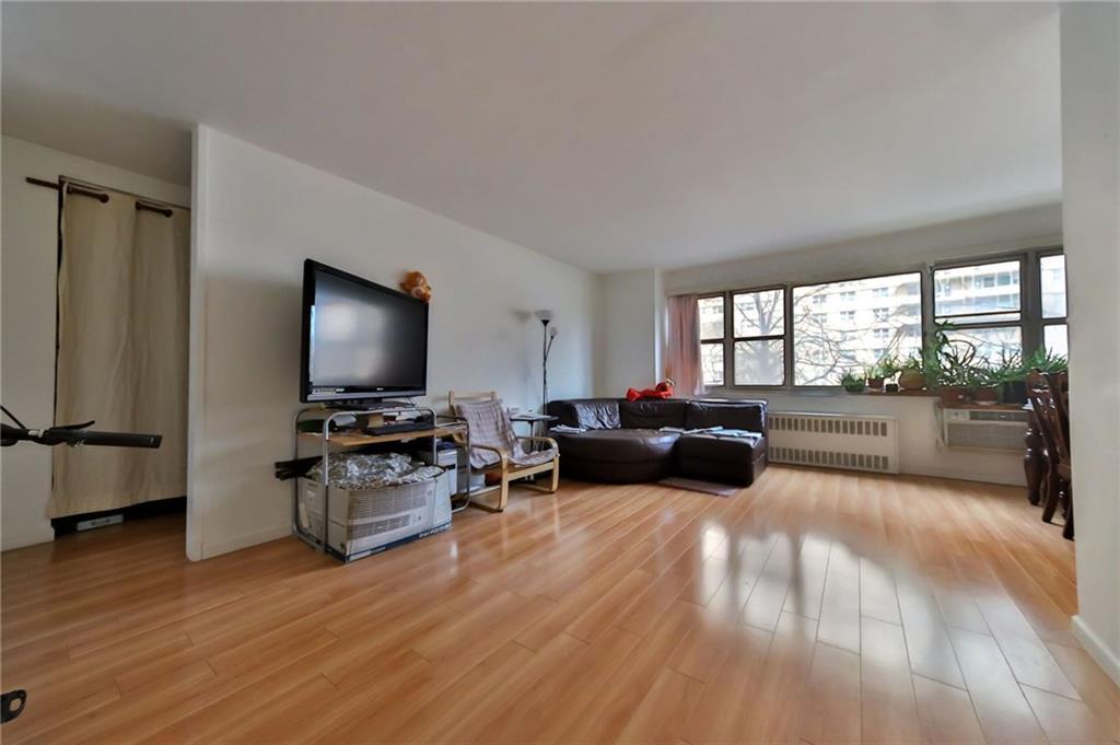 464 Neptune Avenue #2E Brooklyn, NY 11224
