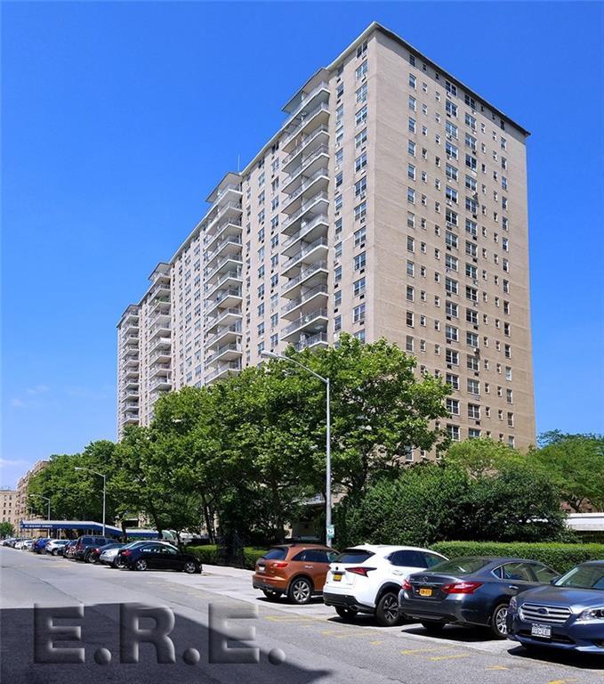 35 Seacoast Terrace #2H Brooklyn, NY 11235