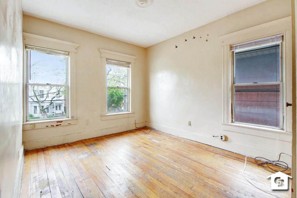 9415 Farragut Road Brooklyn, NY 11236
