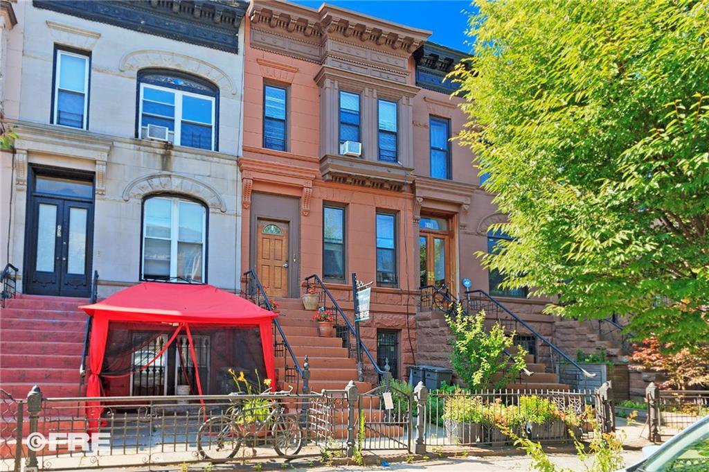700 Halsey Street Brooklyn, NY 11233