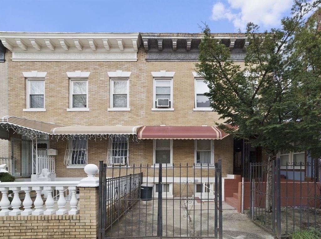 107 Kenilworth Place Brooklyn, NY 11210