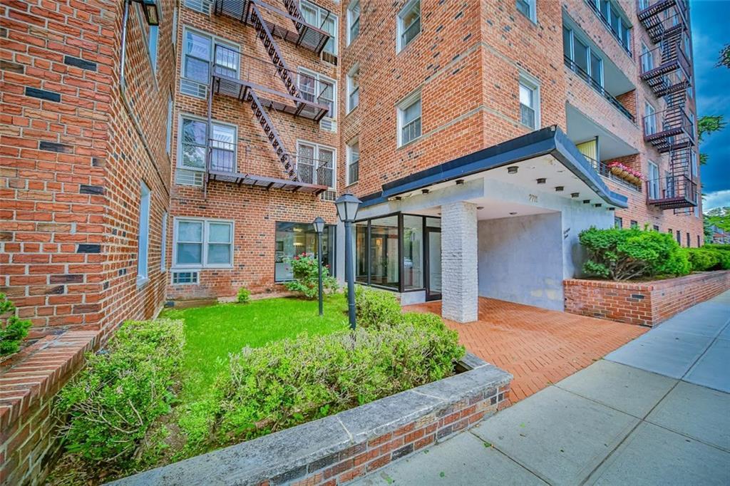 2711 Avenue X #2F Brooklyn, NY 11235