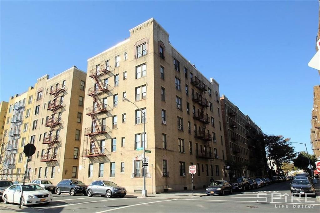 313 Brightwater Court #6G Brooklyn, NY 11235