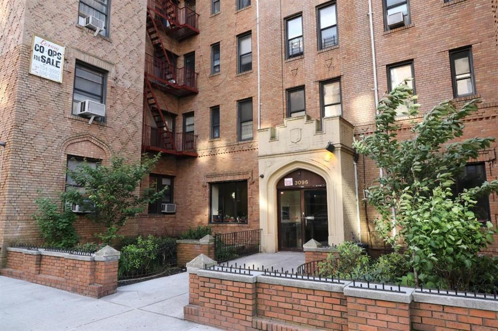 3096 Brighton 6 Street #E4 Brooklyn, NY 11235