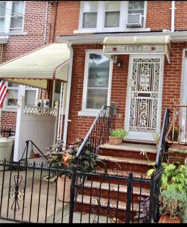 1424 76 Street Brooklyn, NY 11228