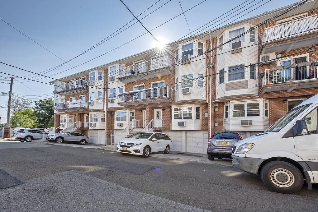 25 Cove Lane #3A Brooklyn, NY 11234