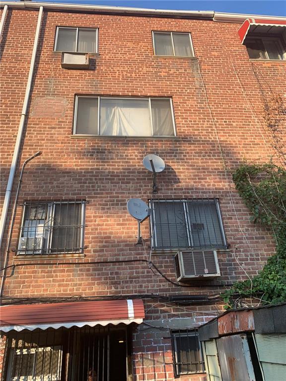 906 Jerome Street Brooklyn, NY 11207