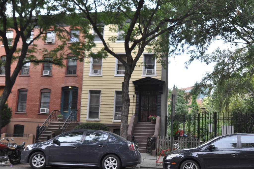617 Warren Street Brooklyn, NY 11217