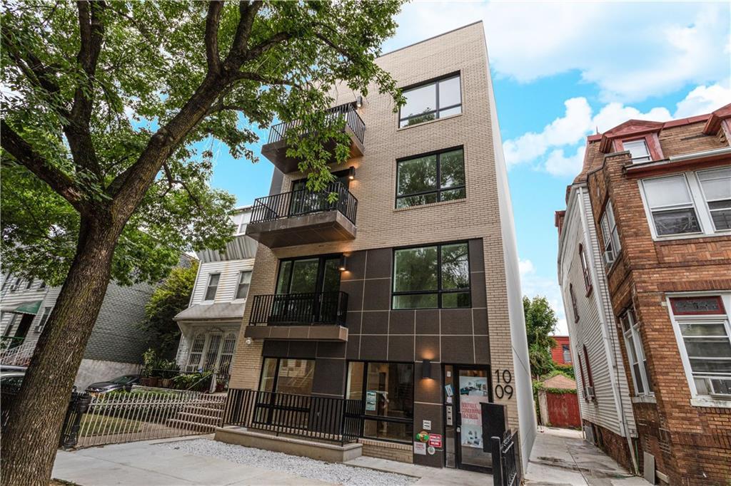 1009 Hancock Street #2F Brooklyn, NY 11221