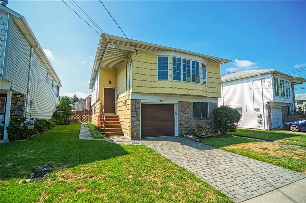 124 Queen Street Staten Island, NY 10314