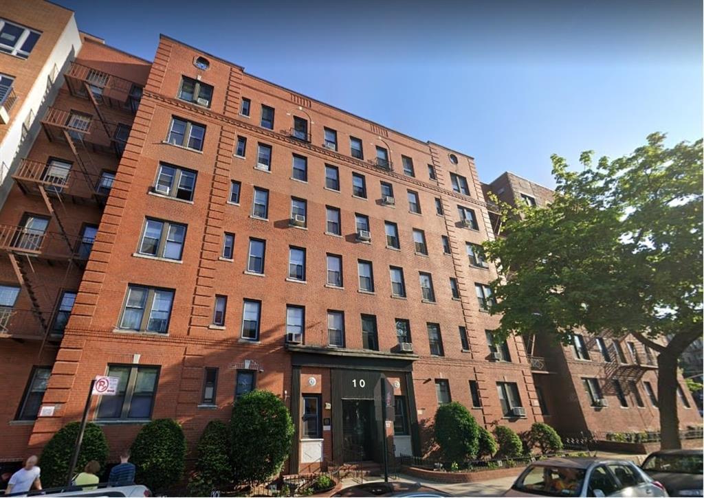 10 Avenue P #2L Brooklyn, NY 11204