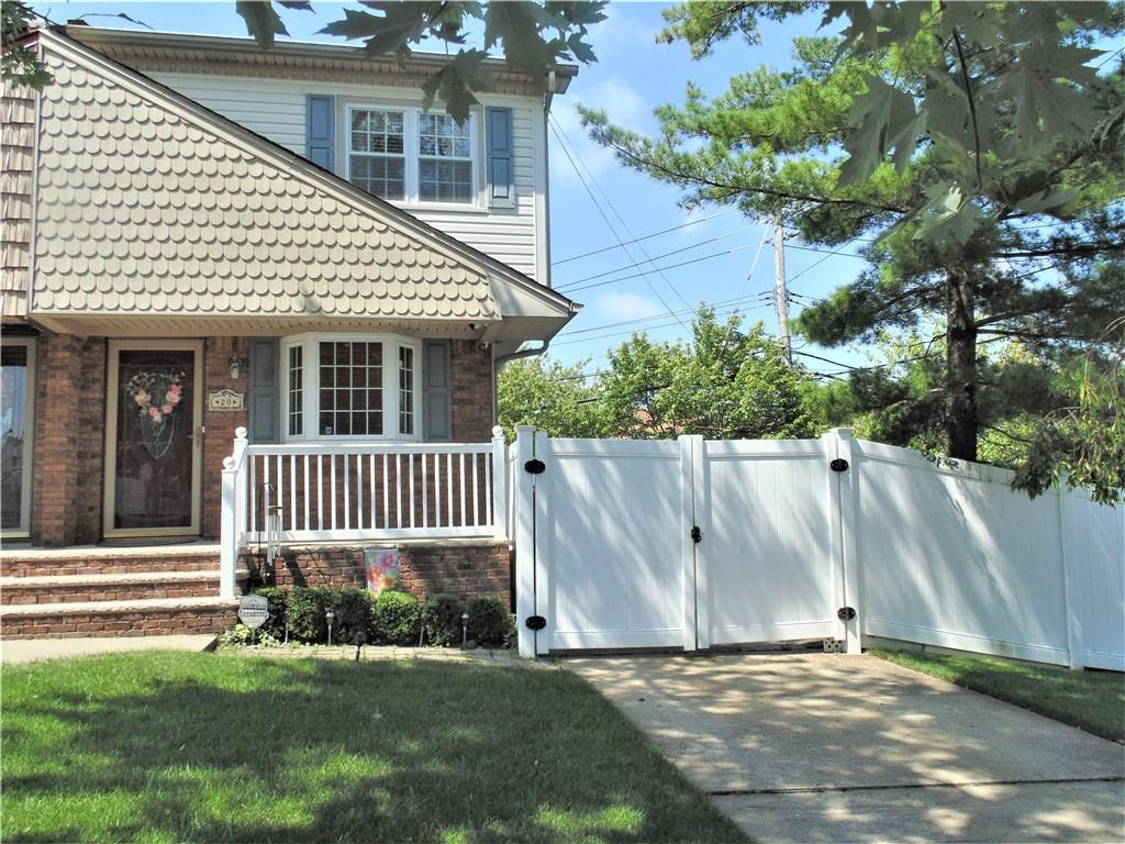 20 Woehrle Avenue Staten Island, NY 10312