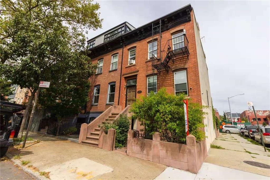 477 Sackett Street Brooklyn, NY 11231