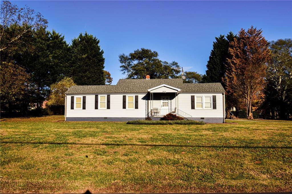 3702 Dixon Road Anderson, SC 29625