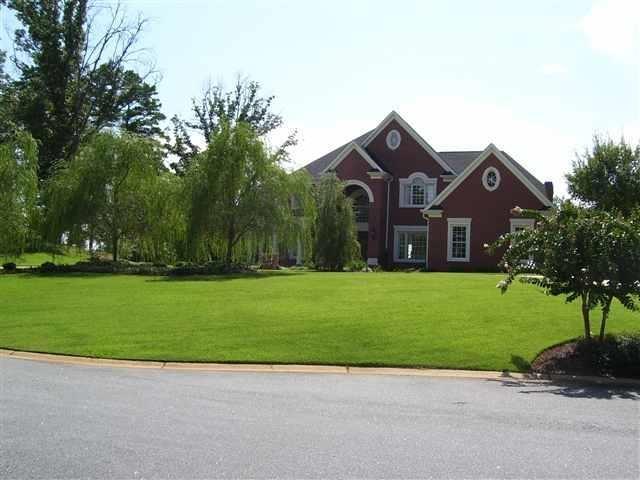 210 Golden Willow Court Easley, SC 29642