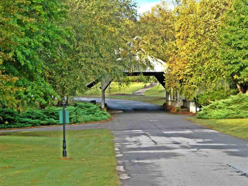 20 Corner Of Cross Creek Dr. & Grey Oaks #golf Course Community Seneca, SC 29678