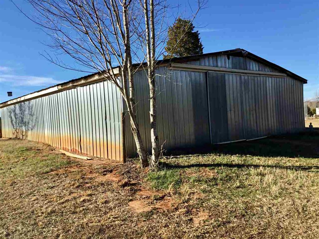 2051 Mountain Creek Church Road Starr, SC 29684