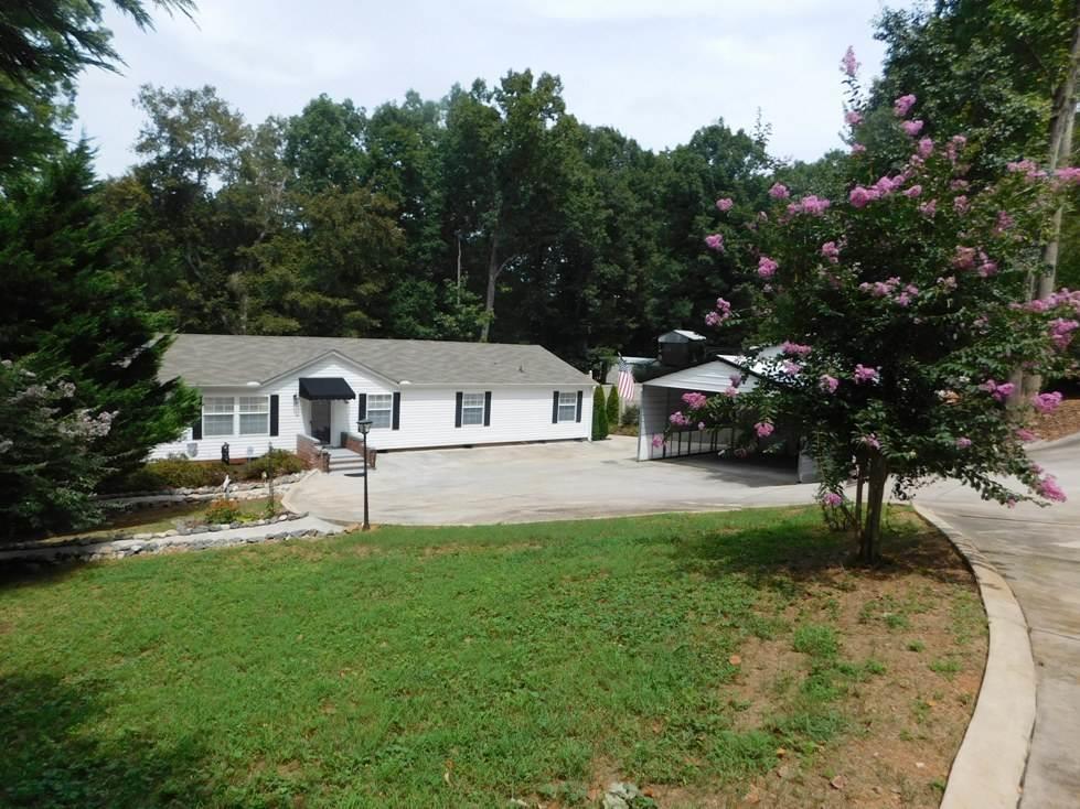 317  Hopkins #43A & 44A Townville, SC 29689
