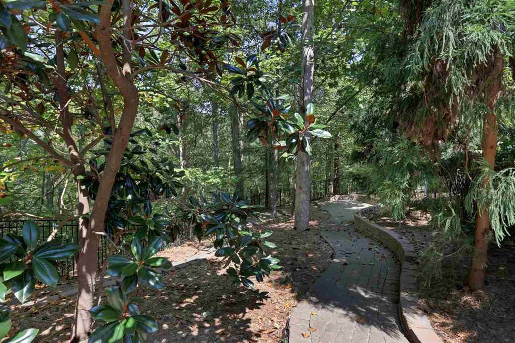 119  Oak Crest Seneca, SC 29672