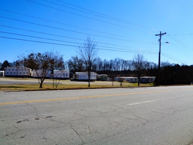 1018 E. North 1ST Street #w W Housing Center Busi Seneca, SC 29678