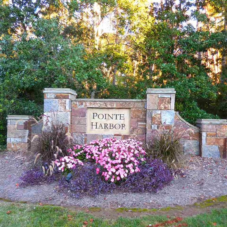 8 Pointe East Drive Seneca, SC 29672