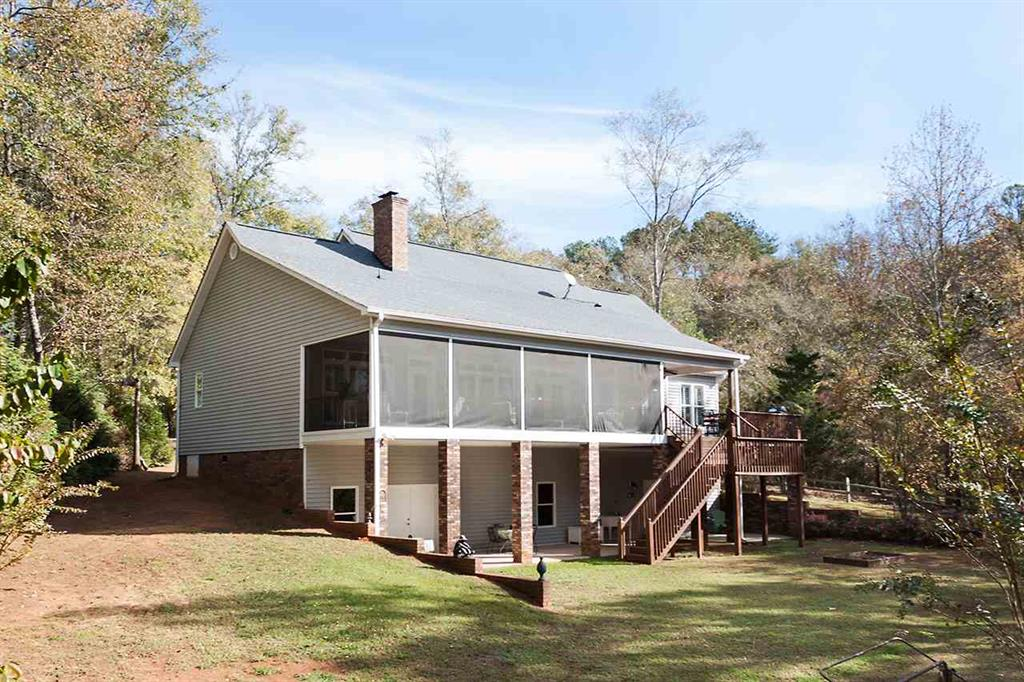 114  Snug Harbor Seneca, SC 29678