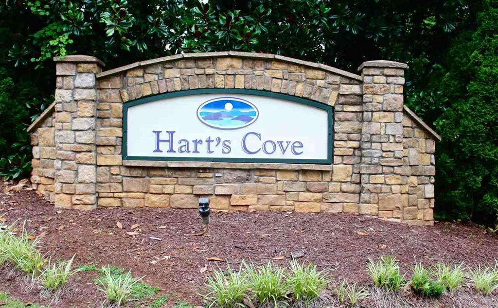 502  Harts Cove Seneca, SC 29678