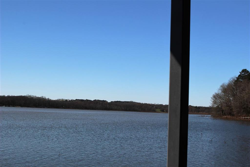 181  Meredith Lake #b Townville, SC 29689