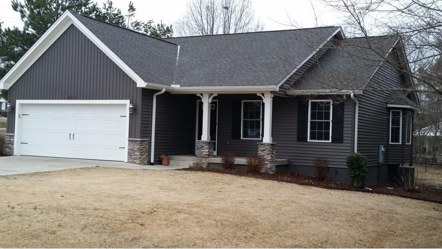 403  Cottage Grove Seneca, SC 29678
