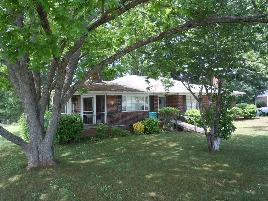 1012 S Oak Street Seneca, SC 29678