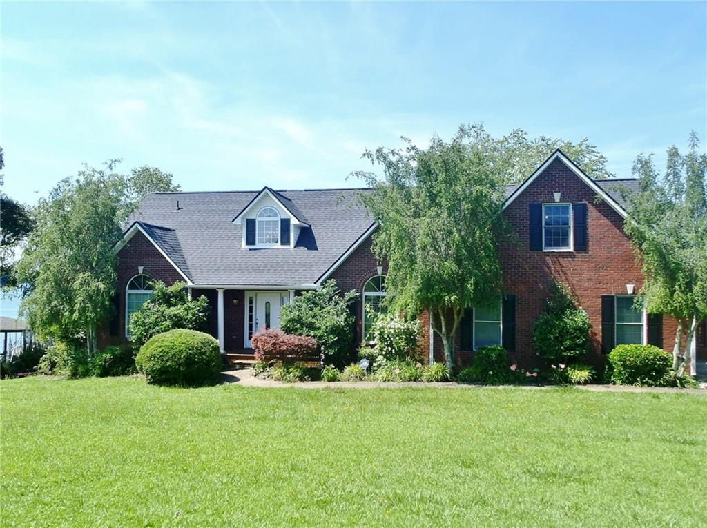 190 Walker Point Seneca, SC 29672