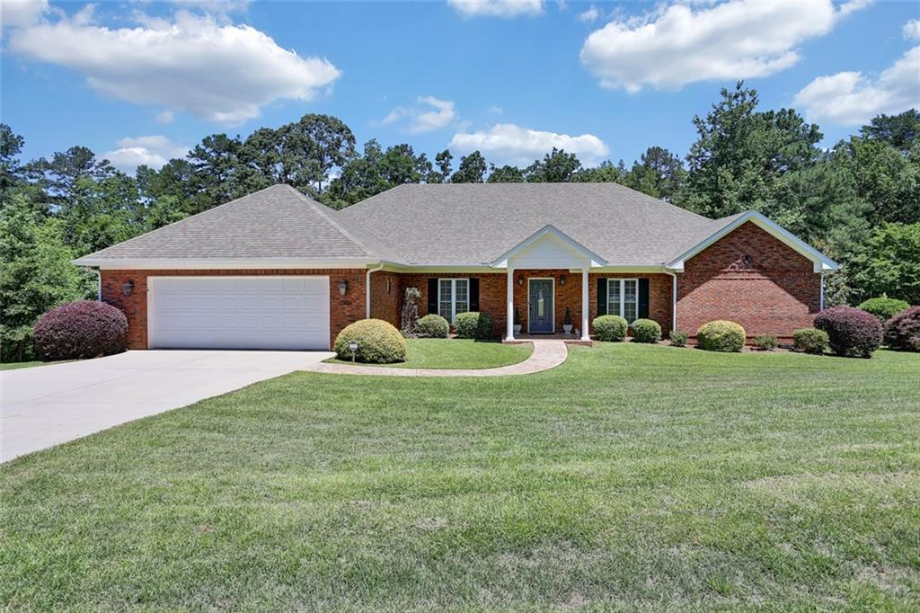 2621 Dog Leg Lane Seneca, SC 29678