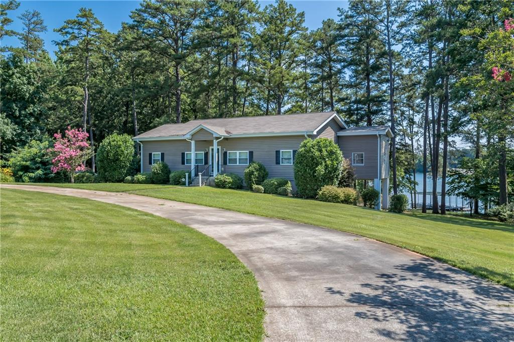 503 Broyles Point Road Townville, SC 29689