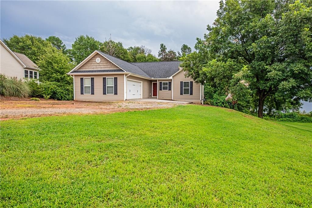 102 N Windy Point Townville, SC 29689