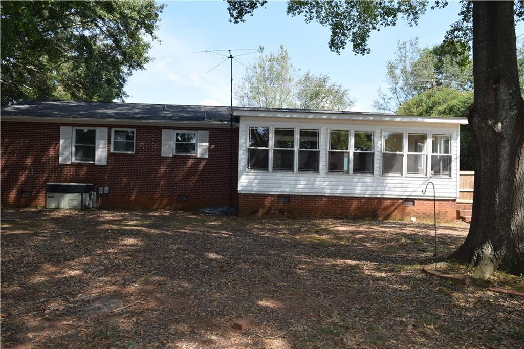 1811 Old Pearman Dairy Road Anderson, SC 29625