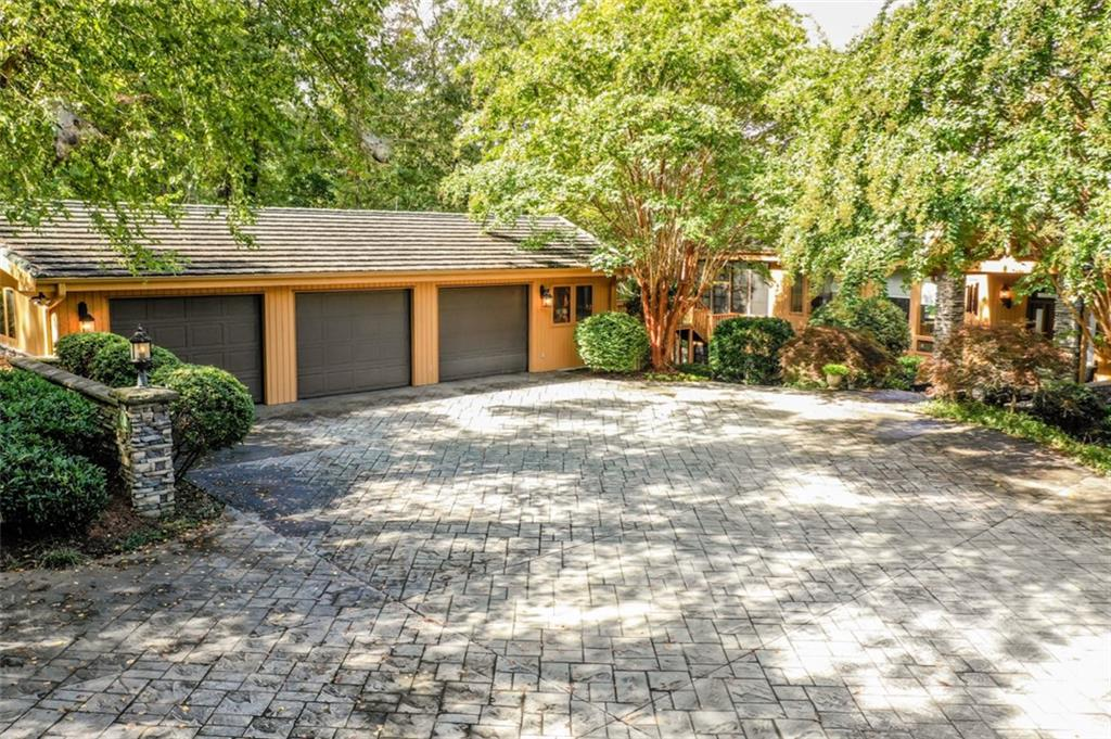 503 Round House Point #a Salem, SC 29676